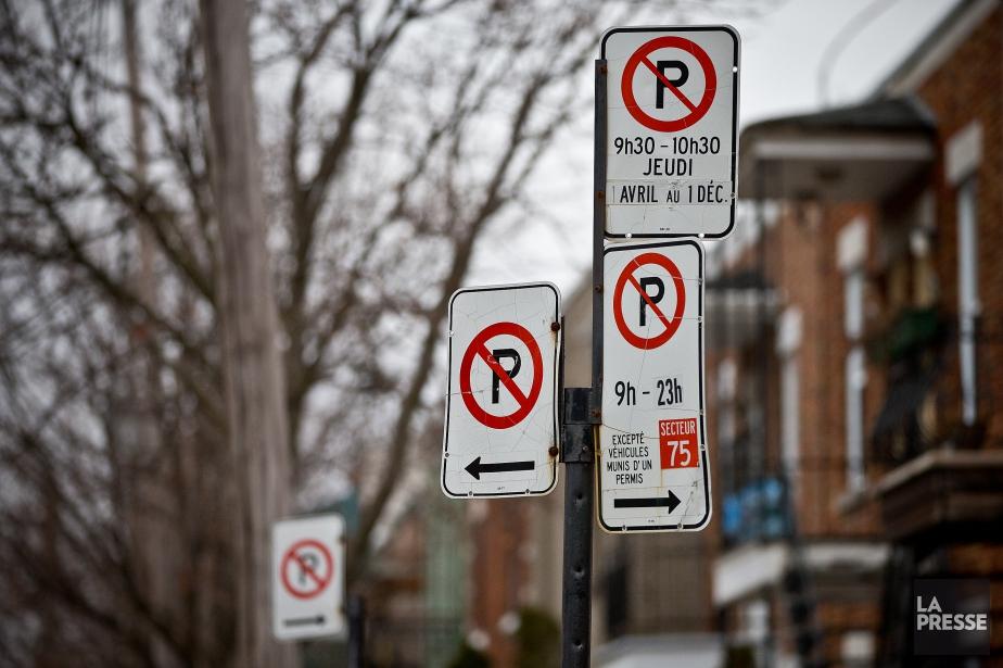 Les interdictions de stationnement pour l'entretien des rues... (PHOTO PATRICK SANFAÇON, ARCHIVES LA PRESSE)