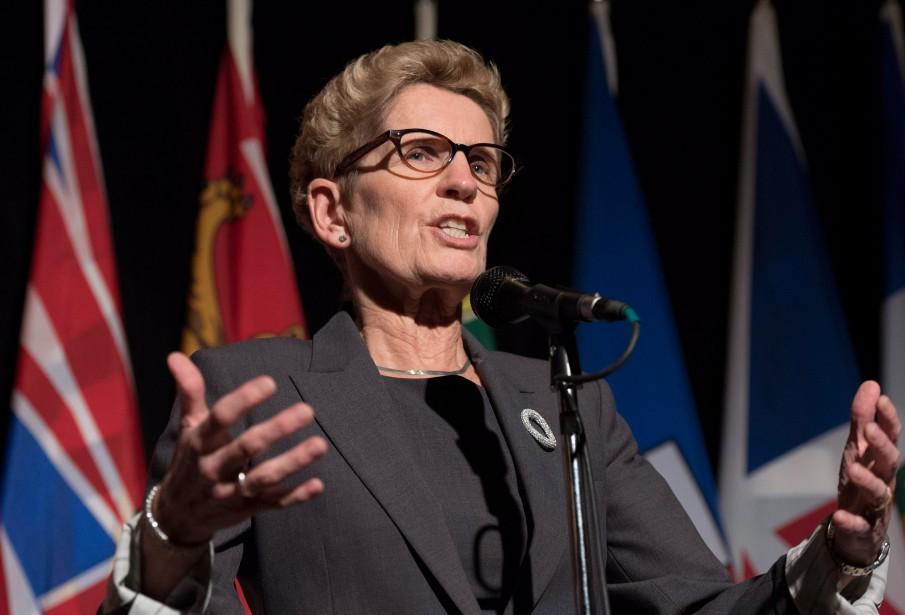 Kathleen Wynne, première ministre libérale de l'Ontario... (PHOTO JUSTIN TANG, LA PRESSE CANADIENNE)