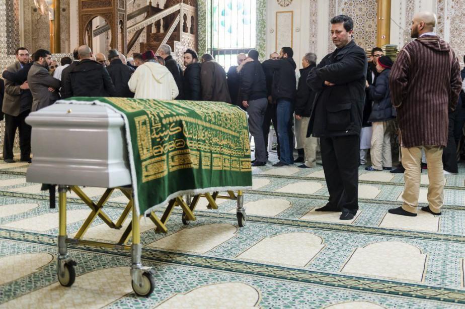 Le cercueil de Loubna Lafquiri, Belge d'origine marocaine,... (Photo Geert Vanden Wijngaert, AP)