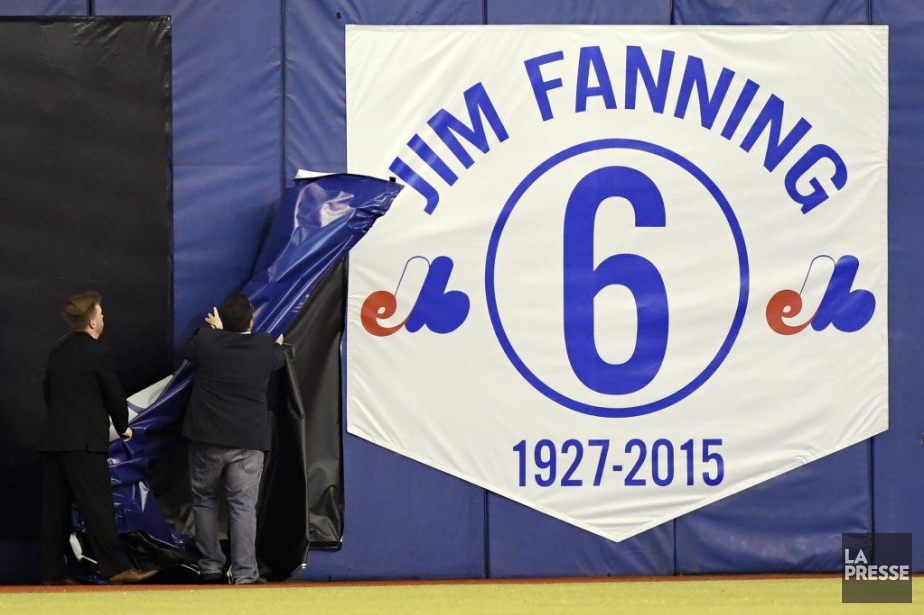 Une bannière ornée du no6 de Jim Fanning... (PHOTO BERNARD BRAULT, LA PRESSE)