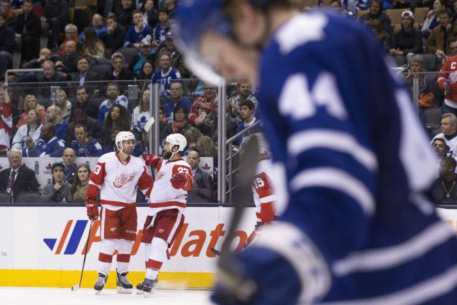 Jimmy Howard a repoussé 32 lancers pour permettre... (Photo La Presse Canadienne)