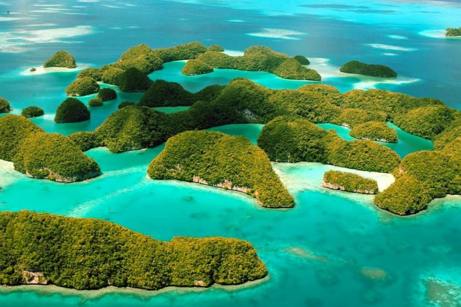 Les Rock Islands, des îles formées de calcaire... (PHOTO FOURNIE PAR PALAU VISTORS AUTHORITY)