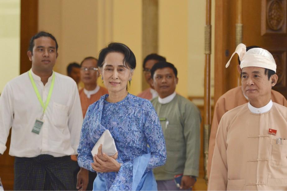 Empêchée de devenir présidente en raison d'une Constitution... (PHOTO AUNG SHINE OO, AP)
