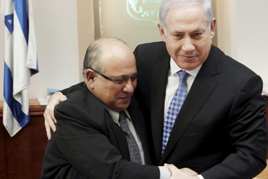 Meir Dagan (à gauche) et Benyamin Nétanyahou à... (PHOTO RONEN ZVULUN, ARCHIVES REUTERS)
