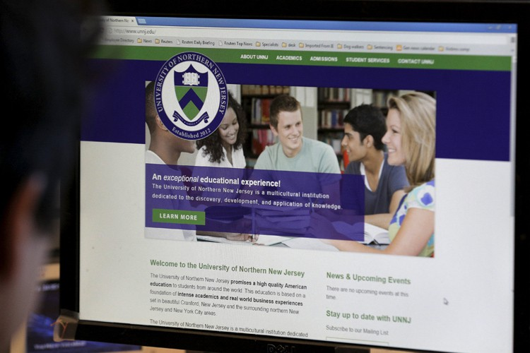 La page d'accueil du site web de l'«Université... (PHOTO REUTERS)