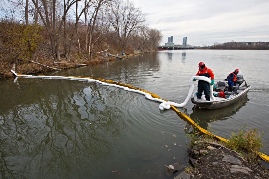 Des milliards de litres d'eaux usées ont été... (PHOTO PATRICK SANFAÇON, ARCHIVES LA PRESSE)