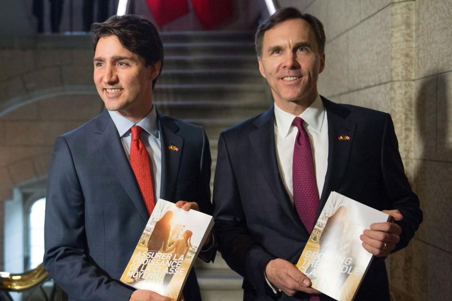 Le premier ministre Justin Trudeau et le ministre... (PhotoJustin Tang, archives La Presse Canadienne)