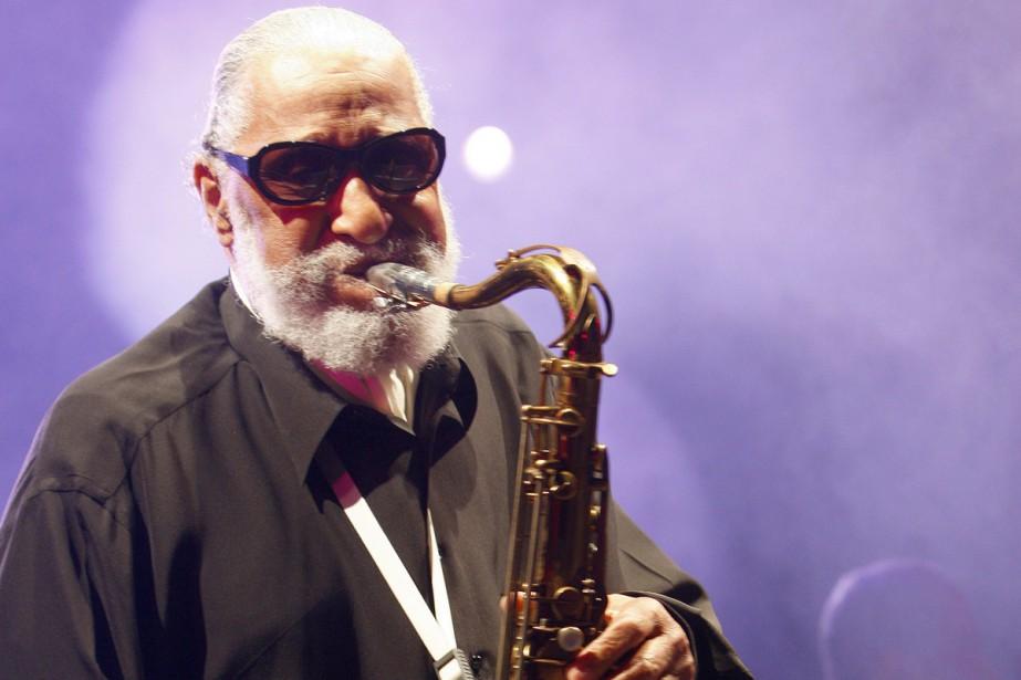 Sonny Rollins en spectacle au Festival de jazz... (PHOTO ARCHIVES AFP)