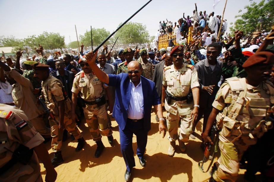 Âgé de 72 ans, Omar el-Béchir a été... (PHOTO ASHRAF SHAZLY, AFP)