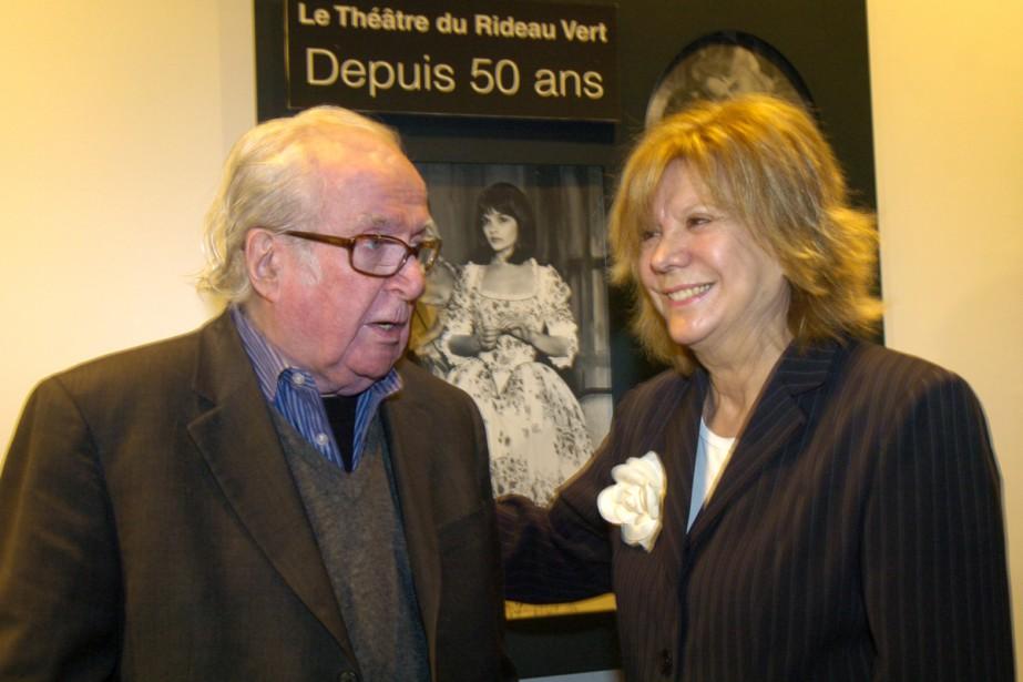 Marcel Dubé et Denise Filliatrault en mai 2006 à l'occasion du lancement de la saison théâtrale 2006-2007 du Théâtre du Rideau Vert. (PHOTO RÉMI LEMÉE, ARCHIVES LA PRESSE)