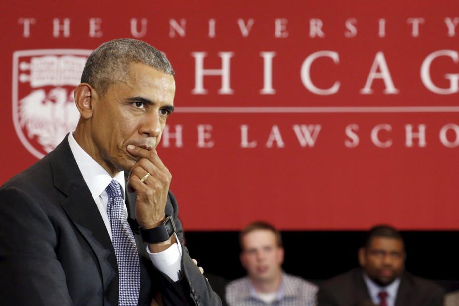 Barack Obama ne rate pas plus une occasion... (PHOTO KEVIN LAMARQUE, REUTERS)