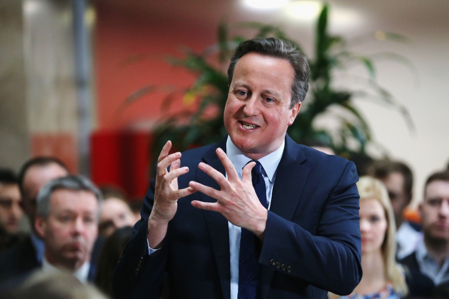 Dans un exercice de communication calamiteux, David Cameron... (PHOTO CHRITOPHER FURLONG, ARCHIVES AFP)
