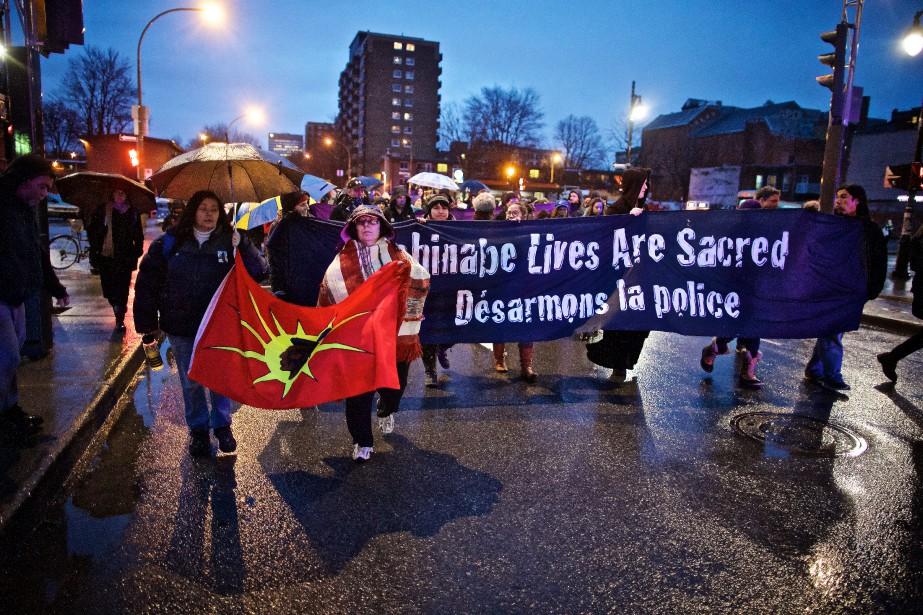 Les manifestants s'étaient donné rendez-vous à 19 h... (photo andré pichette, la presse)