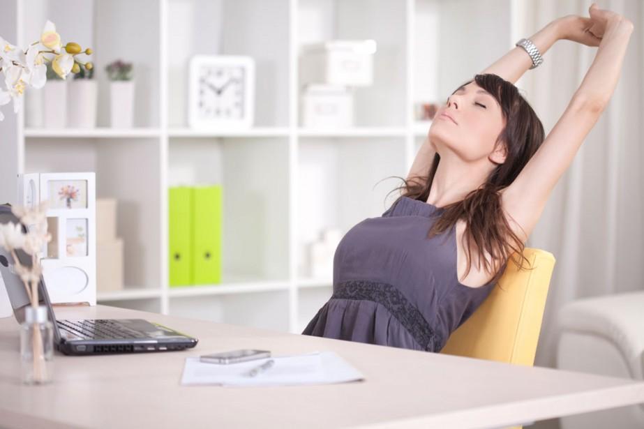 Au bureau, les journées défilent souvent à toute vitesse.... (PHOTO THINKSTOCK)