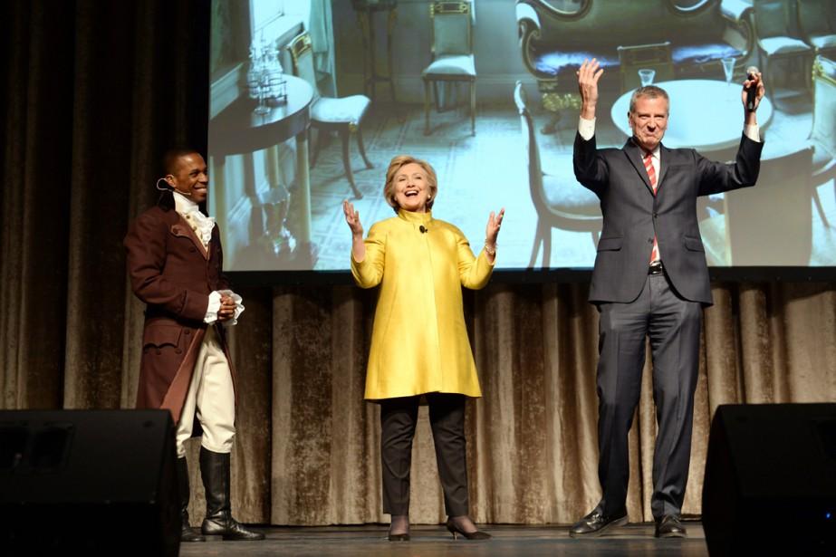 Sur scène avec Bill de Blasio et Leslie... (PHOTO DAVID HANDSCHUH, THE INNER CIRCLE/AP)