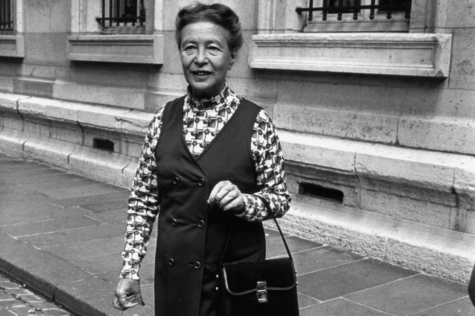 Simone de Beauvoir, à Paris en 1971. «[Simone... (PHOTO GEORGES BENDRIHEM, ARCHIVES AGENCE FRANCE-PRESSE)