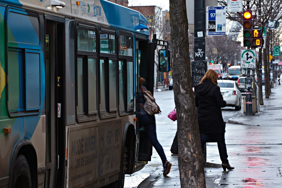 Quatre des cinq circuits d'autobus les plus achalandés... (PHOTO PATRICK SANFAçON, LA PRESSE)
