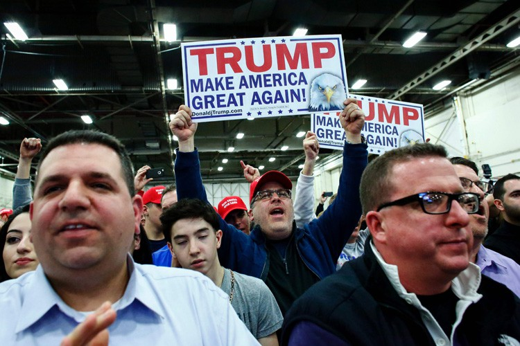 Donald Trump, qui a construit sa fortune à... (PHOTO AFP)