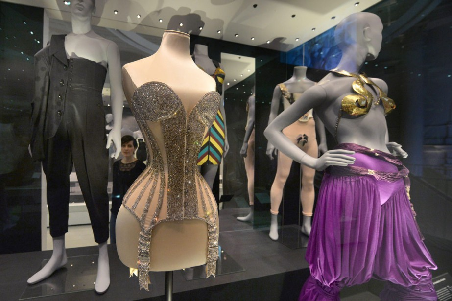 L'exposition Undressed: A Brief History of Underwear se... (PHOTO AP)