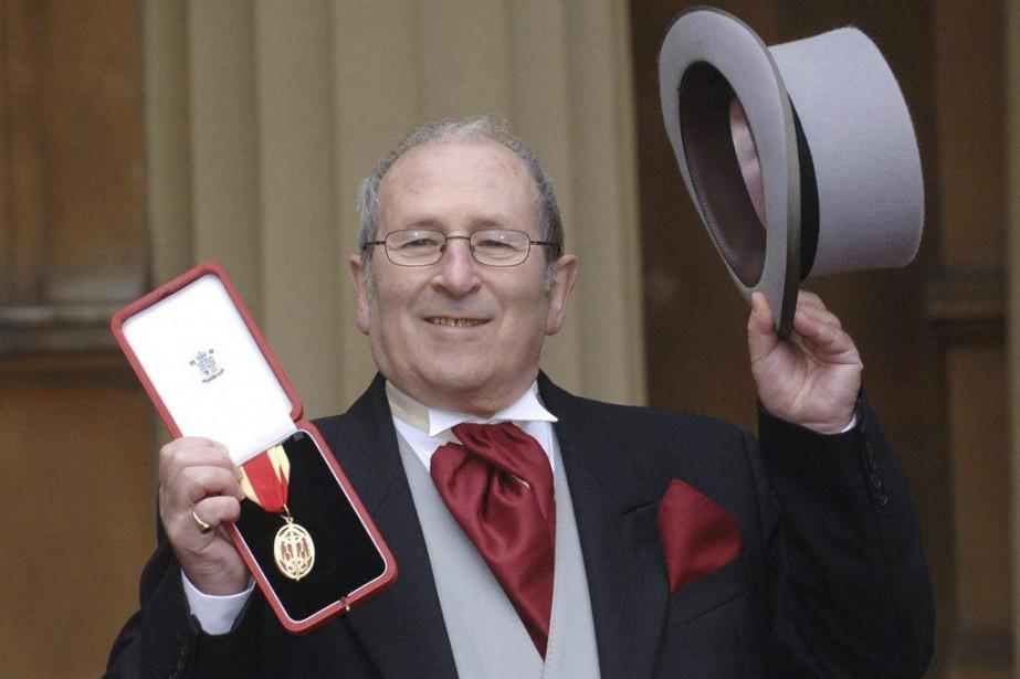 Arnold Wesker au palais de Buckingham en 2006.... (PHOTO ARCHIVES AP)