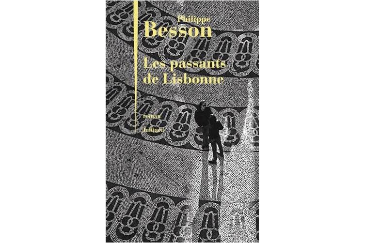 Ils sont de passage à Lisbonne pour tuer le temps, cultivant l'espoir que...