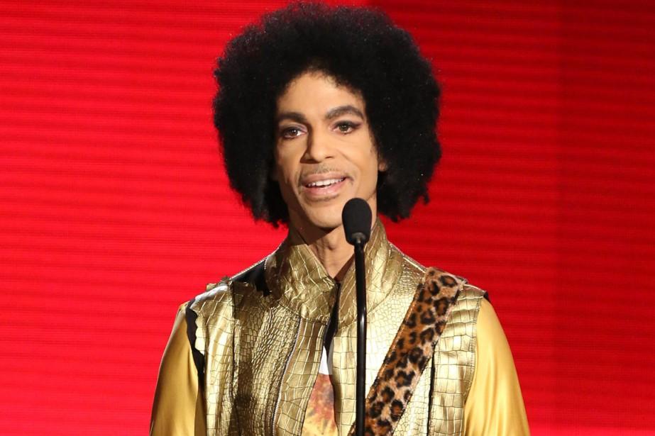 Le chanteur Prince auait été hospitalisé d'urgence aoprès... (Photo archives AP)