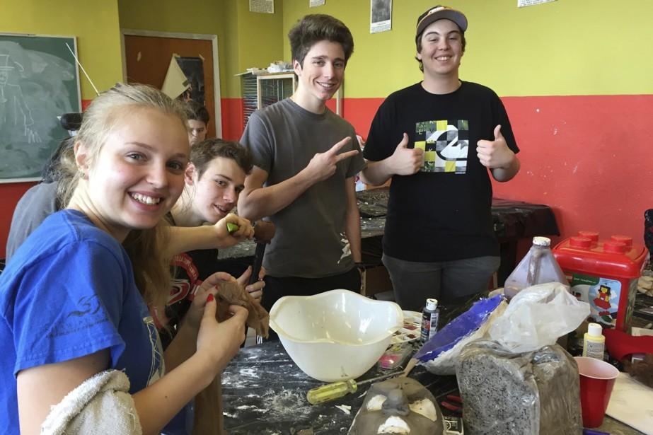 Les élèves ont fabriqué leurs propres moules pour confectionner leurs prothèses en latex. (Pierre Duplessis)