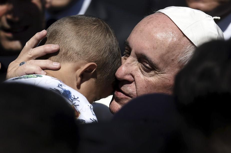 Le pape François a reçu un accueil chaleureux à son arrivée en Grèce. (AFP, Aris Messinis)