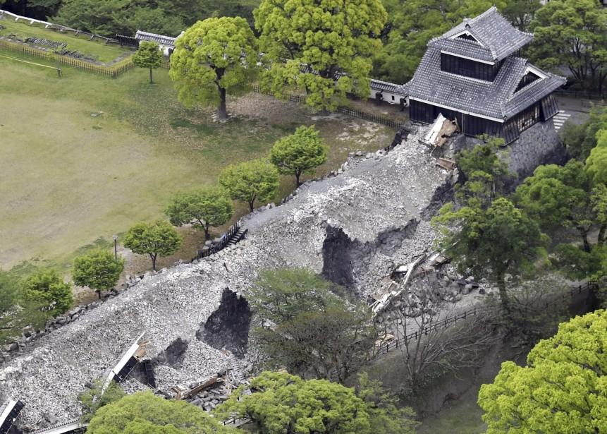 Le château de Kumamoto a été lourdement endommagé. (AP)