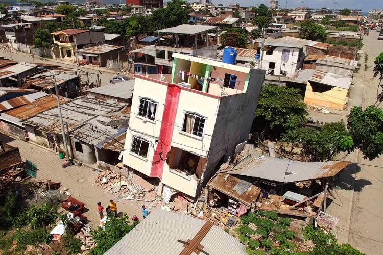 La ville de Pedernales est l'épicentre du tremblement... (PHOTO AFP)