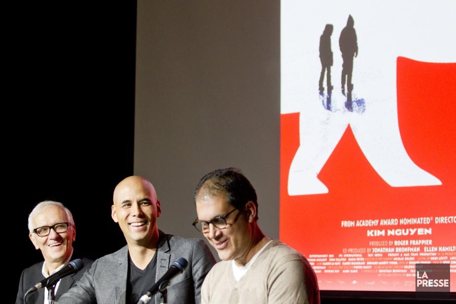 Le producteur Roger Frappier, le réalisateur Kim Nguyen... (PHOTO MARCO CAMPANOZZI, LA PRESSE)