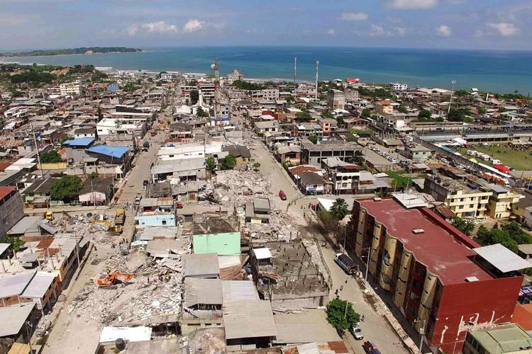 À Pedernales,ville côtière de 60 000 habitants prisée... (PHOTO AFP)