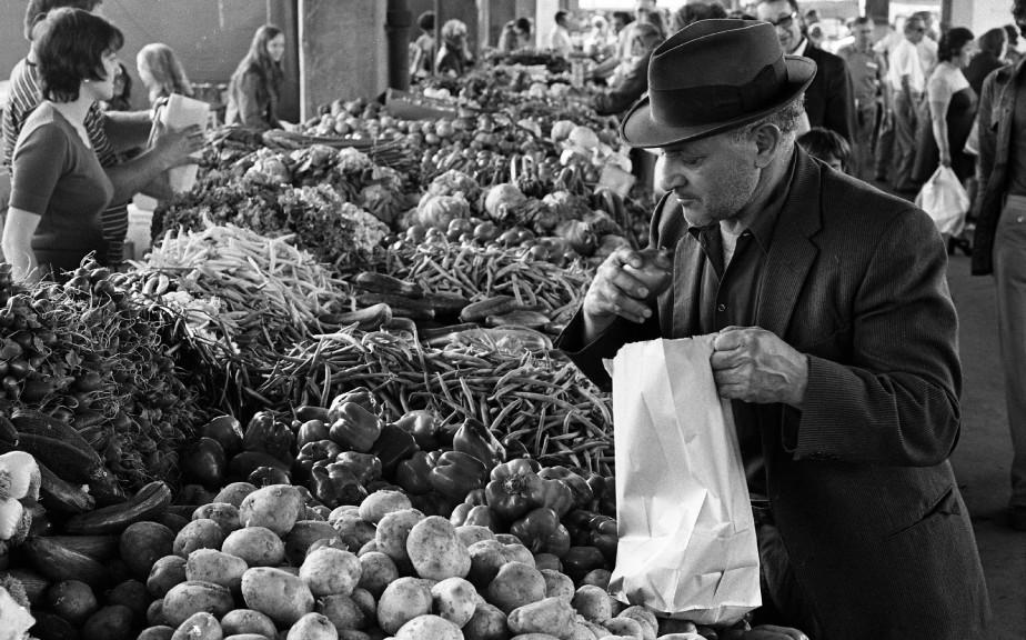 Les prix des principaux produits de consommation ont-ils... (Photo Michel Gravel, Archives La Presse)