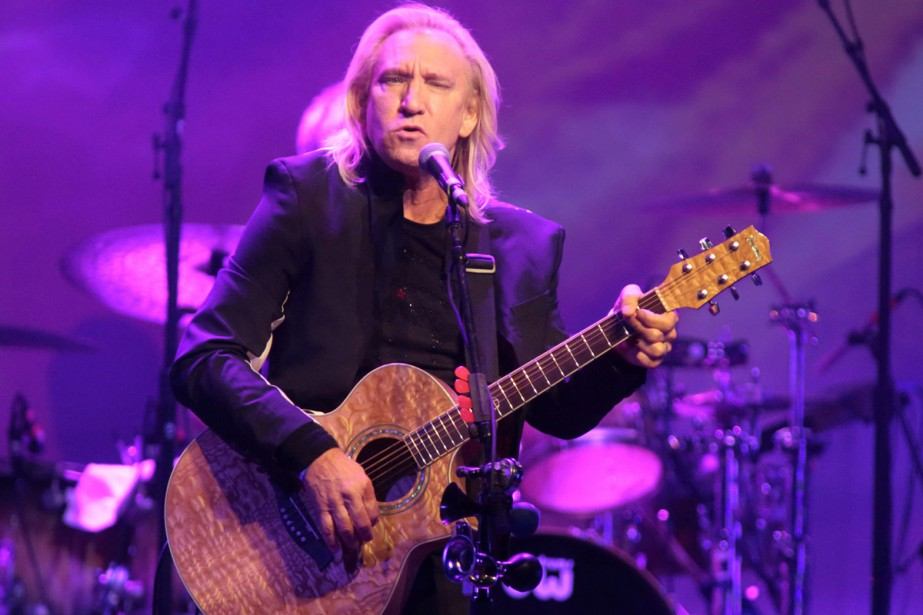 Joe Walsh des Eagles lors d'un concert solo... (PHOTO ARCHIVES AP)