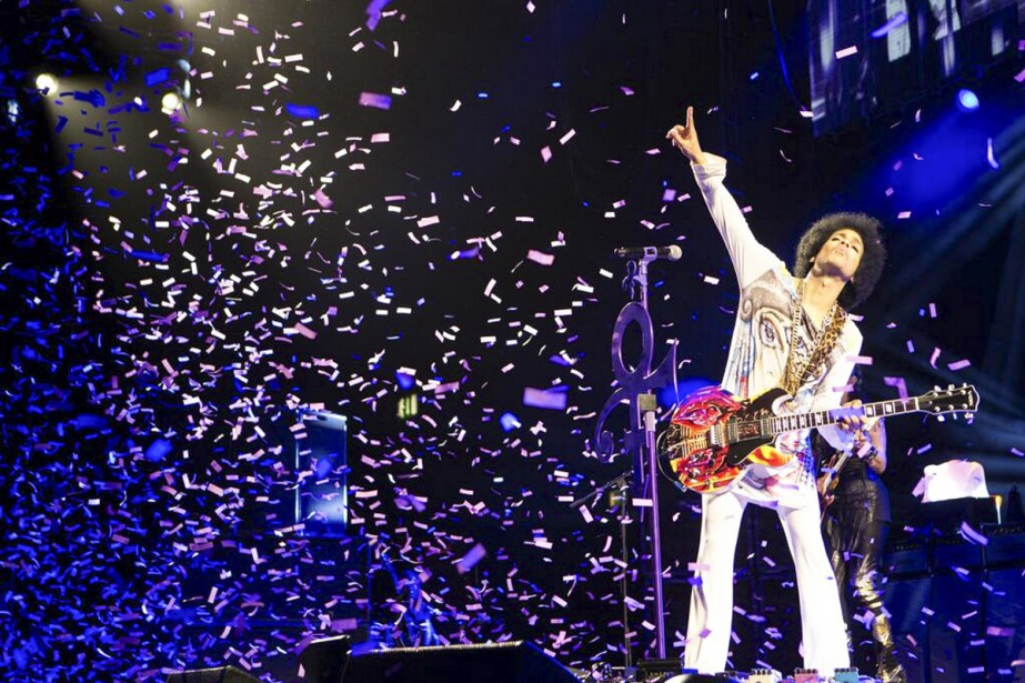 Prince lors d'un spectacle à Birmingham. La date du concert est inconnue. (PHOTO ARCHIVES THE NEW YORK TIMES)