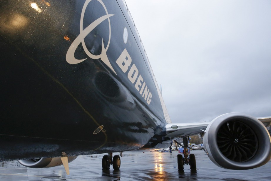 Le géant américain Boeing songe à créer... (PHOTO JASON REDMOND, ARCHIVES AFP)