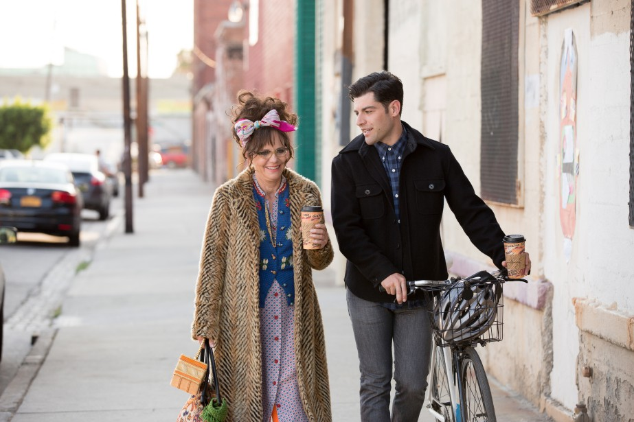 Sally Field et Max Greenfield dans Hello, My... (PHOTO FOURNIE PAR ROADSIDE ATTRACTIONS)