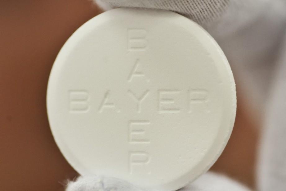 Une faible dose d'aspirine par les patients atteints... (PHOTO ECKEHARD SCHULZ, ARCHIVES ASSOCIATED PRESS)