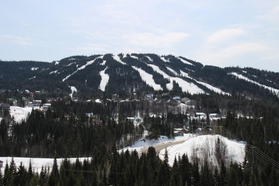 Les microchalets profitent d'un point de vue remarquable sur la montagne. (Mélissa Bradette)
