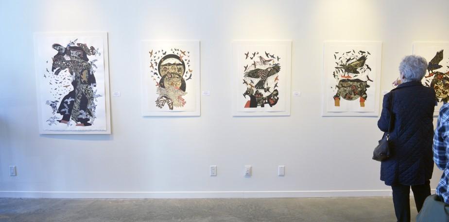 Artiste de l'américanité,RenéDerouinexpose ses poèmes visuels, remplis d'oiseaux tourbillonnants, à la Galerie MichelGuimont. (Le Soleil, Jean-Marie Villeneuve)