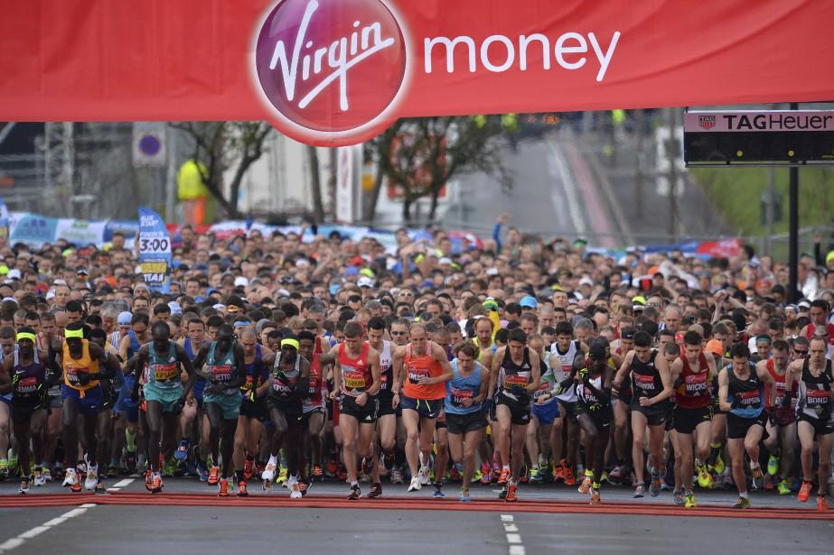 Des milliers de compétiteurs ont pris part au Marathon de Londres dimanche. (AFP, Glyn Kirk)