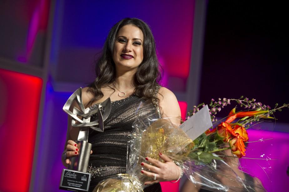 Le prix Innovation de l'année a été remis au Congrès dentaire de l'Outaouais, représenté ici parAmal Lakhssassi, présidente et fondatrice de l'Agence dentaire de l'Outaouais. (Martin Roy, LeDroit)