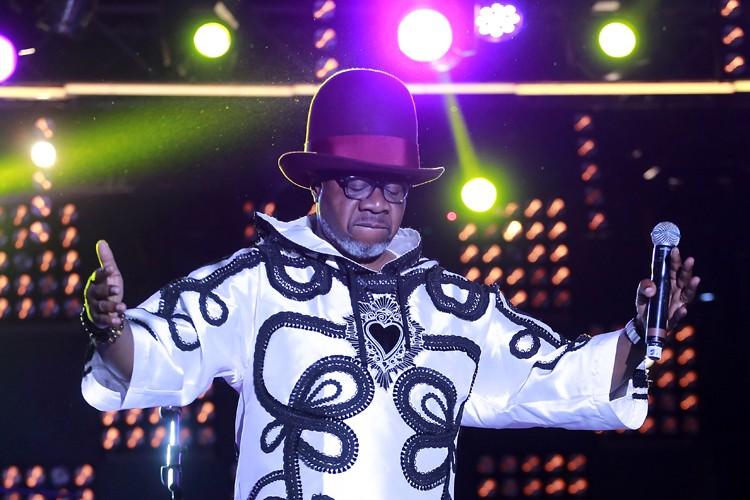Artiste africain emblématique et haut en couleur, roi... (PHOTO AFP)