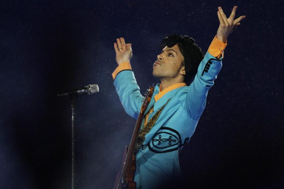 Prince lors d'un spectacle à la mi-temps du... (Archives AP)
