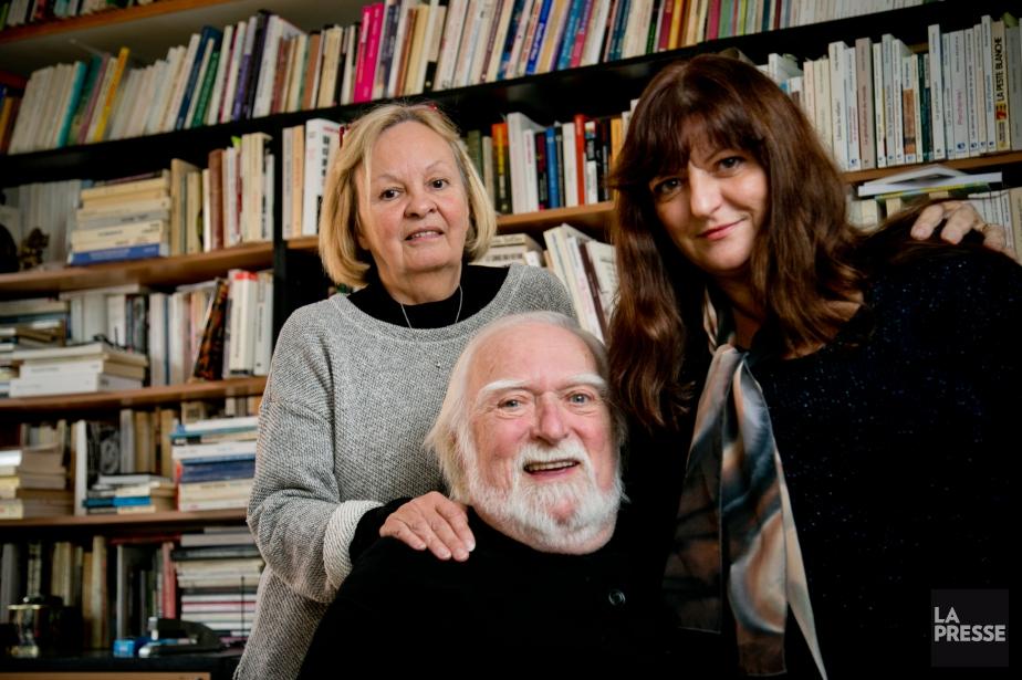 Jacques Languirand entouré de sa conjointe Nicole Dumais... (PHOTO DAVID BOILY, ARCHIVES LA PRESSE)