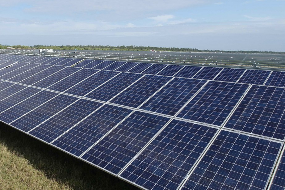 La ferme solaire de 75 mégawatts produira suffisamment... (PHOTO KERRY SHERIDAN, AFP)