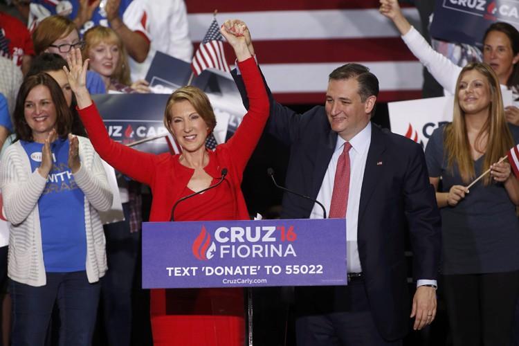 Ted Cruz a présenté sacolistièreCarly Fiorina lors d'un... (PHOTO REUTERS)