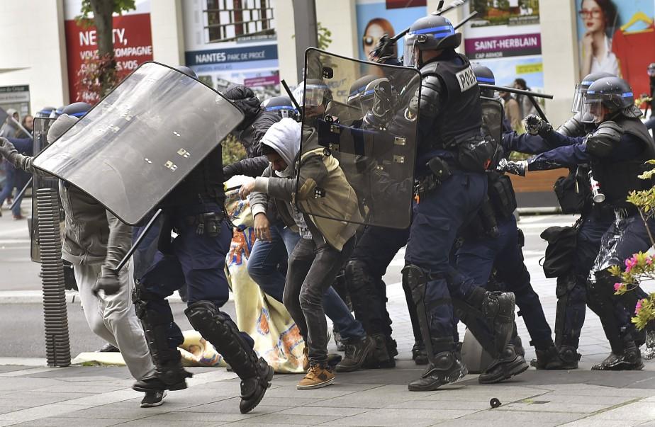 Manifestants et policiers se sont affrontés à Nantes. (AFP, Loic Venance)
