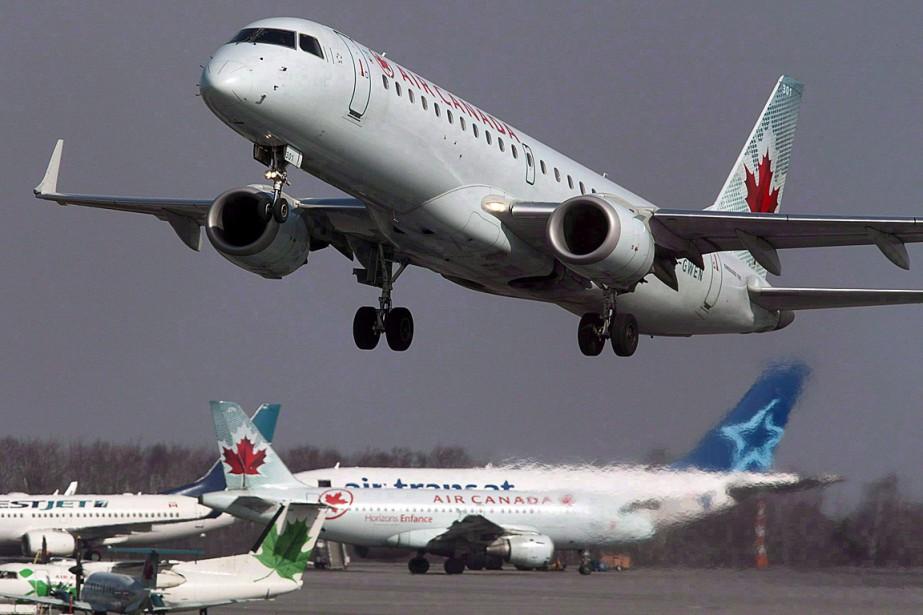 Air Canada et le transporteur à rabais Air... (Photo Andrew Vaughan, archives PC)