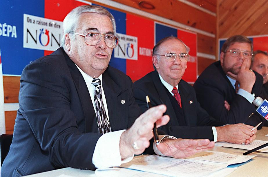 Le député Réjean Lafrenière durant la campagne référendaire de 1995. (Archives, LeDroit)